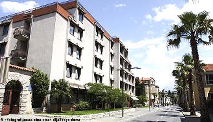 Dijaški in študentski dom Koper
